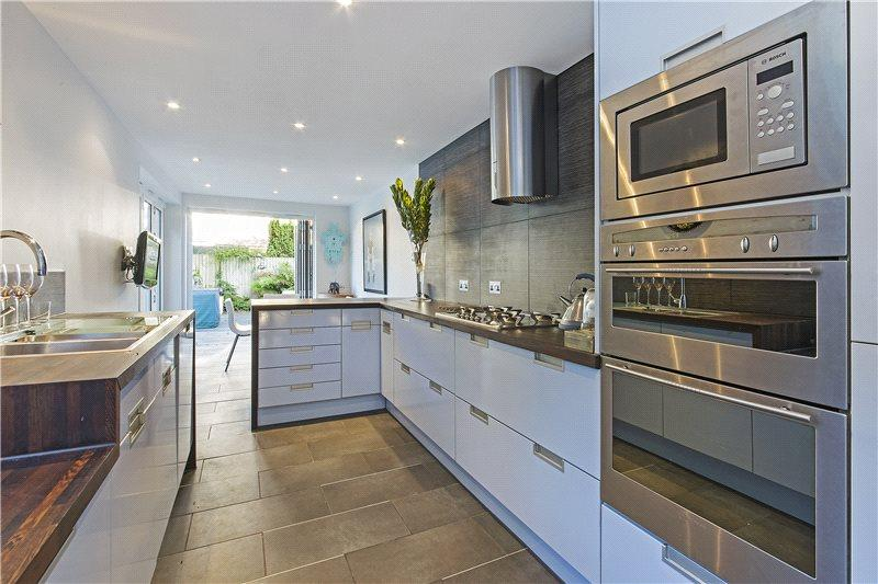 4 Bedrooms Terraced House for rent in Marlborough Crescent, Chiswick, London, W4