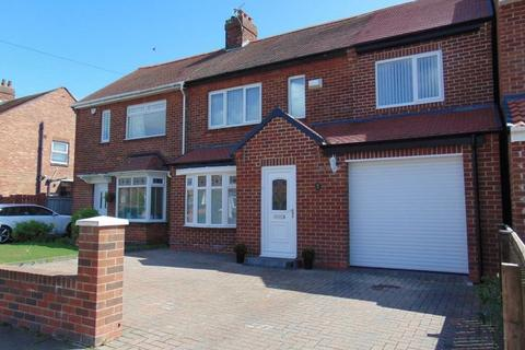 3 bedroom semi-detached house to rent - Beal Drive, Forest Hall, Newcastle Upon Tyne