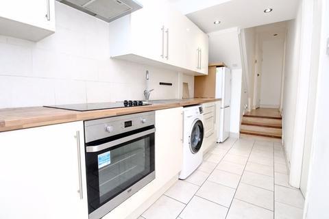 2 bedroom apartment - Granville Road, Wood Green, N22