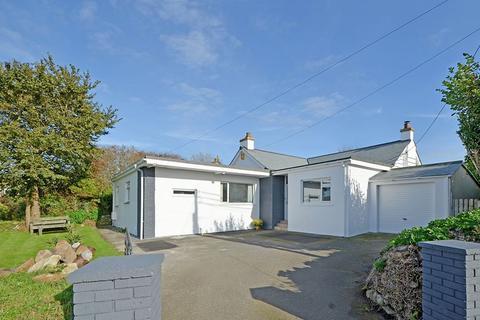 4 bedroom bungalow for sale - Trevingey Road, Redruth - Bungalow, 1 Bedroom Annex & Potential Plot