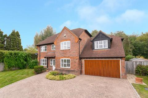 6 bedroom detached house for sale - Howe Drive, Beaconsfield