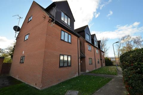2 bedroom apartment to rent - Intalbury Avenue, Aylesbury