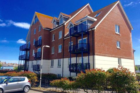 2 bedroom apartment for sale - Harbour Views, Moments From Beach, Parking