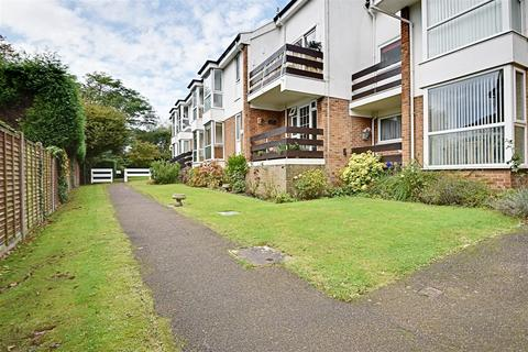 2 bedroom apartment for sale - Pinewoods, Bexhill-On-Sea