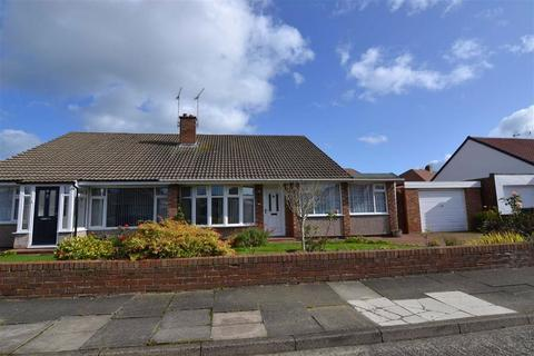 3 bedroom semi-detached bungalow to rent - Fairfield Drive, Cullercoats