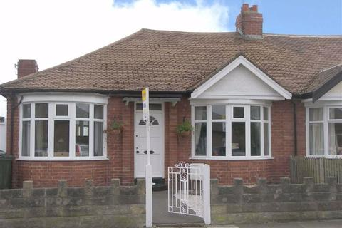 2 bedroom semi-detached bungalow for sale - Fairfield Drive, West Monkseaton, Tyne & Wear, NE25