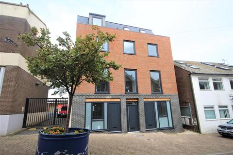 1 bedroom flat for sale - High Street, Newhaven