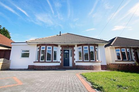 2 bedroom detached bungalow for sale - Westfield Avenue, Cardiff