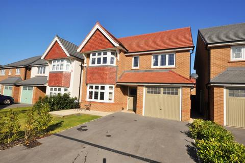 4 bedroom detached house for sale - Thresher Court, York, YO30 6QP