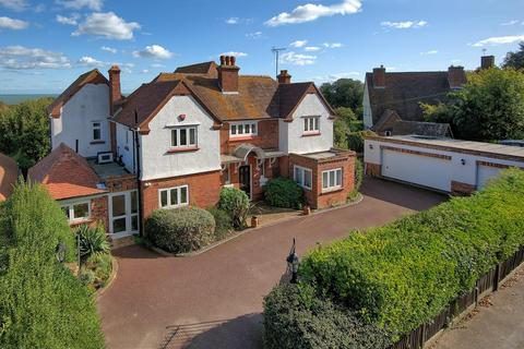 5 bedroom detached house for sale - North Foreland Road, Broadstairs