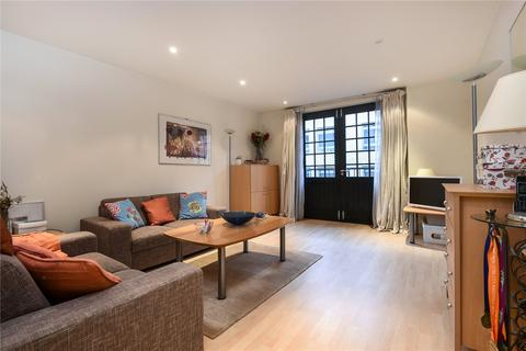 1 bedroom flat to rent - Caraway Apartments, 2 Cayenne Court, London, SE1