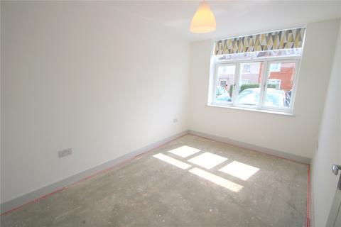 3 bedroom terraced house to rent - Hottom Gardens, Horfield, BS7