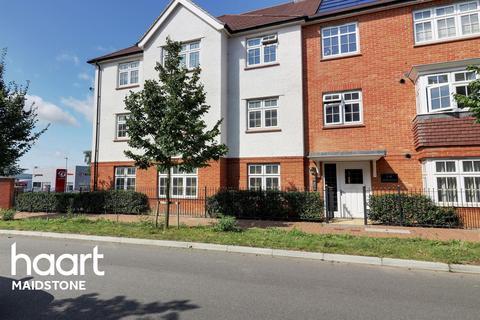 1 bedroom flat for sale - Cobnut Avenue, Maidstone, Kent, ME15