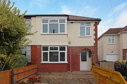 3 bedroom house for sale - Cross Road, Feltham, TW13
