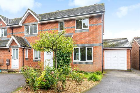 3 bedroom end of terrace house for sale - Birches Crest, Hatch Warren, Basingstoke, Hampshire, RG22