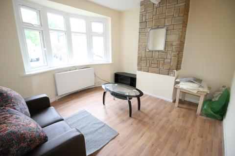 4 bedroom semi-detached house to rent - Kingsley Road, HOUNSLOW, Middlesex, TW3