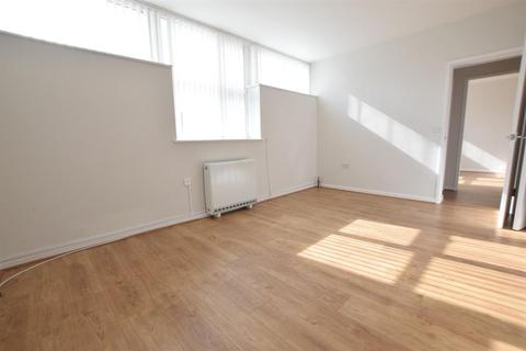 2 bedroom flat to rent - Broadway, Scunthorpe, DN16 2SS
