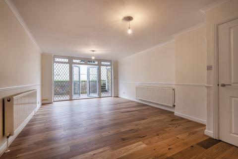 4 bedroom semi-detached house to rent - Gertrude Road,  Belvedere, DA17