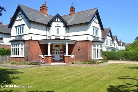 4 bedroom detached house to rent - Welholme Avenue, Grimsby, North East Lincs, DN32