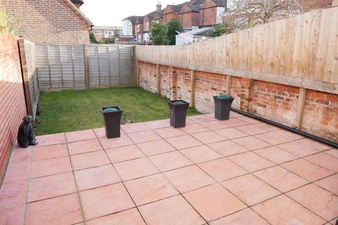 3 bedroom terraced house to rent - Middle Street, Southampton UNFURNISHED