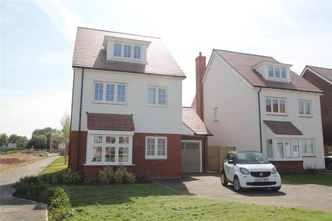 4 bedroom detached house to rent - Hazelwood Close, Tonbridge, TN11