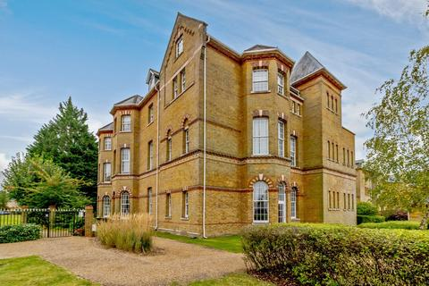 2 bedroom apartment for sale - Florence Court, Florence Way, Knaphill, Woking, GU21
