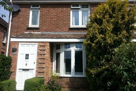 4 bedroom semi-detached house to rent - Bentley Road, Ashford TN24