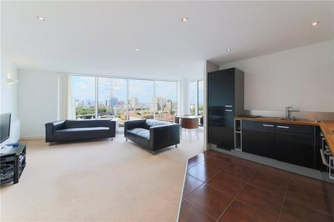 2 bedroom flat for sale - Alaska Apartments, 22 Western Gateway, London, E16