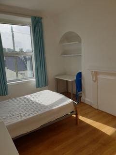 4 bedroom house share to rent - Wilton street ./ Stoke