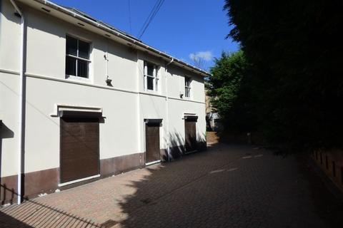 10 bedroom property with land for sale - Town Centre