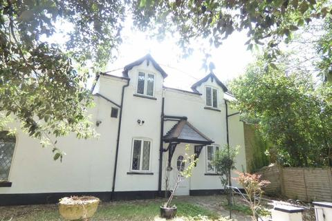 5 bedroom detached house to rent - Manor Road, East Cliff, Bournemouth