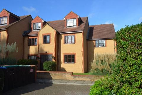 1 bedroom flat to rent - Avenue Road, Staines, Middlesex