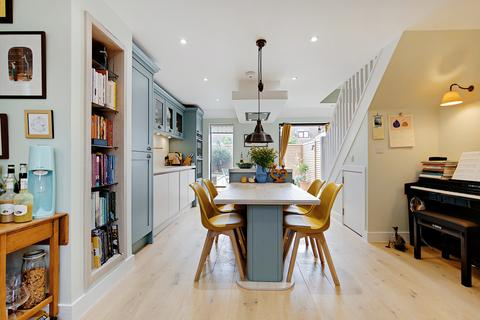 2 bedroom terraced house for sale - Barset Road, London