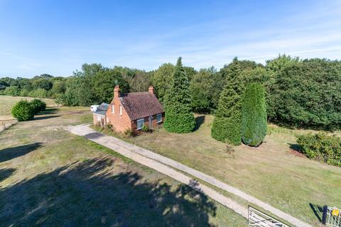 2 bedroom detached house for sale - Layer-de-la-haye, Colchester