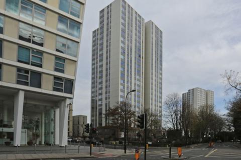 Studio to rent - Taplow, London
