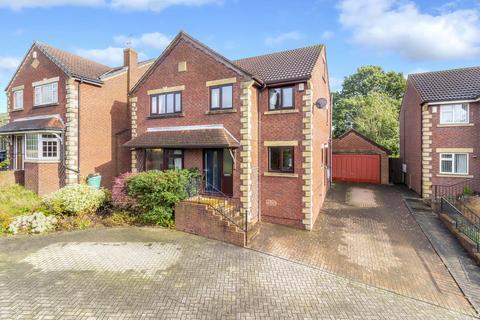 5 bedroom detached house for sale - Parklands Walk, Bramhope