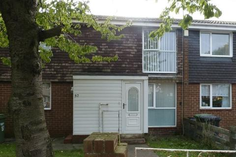 2 bedroom ground floor flat to rent - College Road, Ashington - Two Bedroom Ground Floor Flat