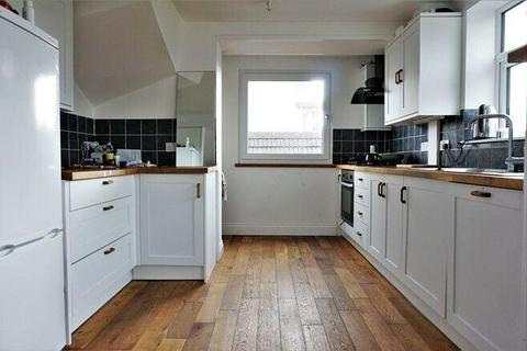 3 bedroom semi-detached house to rent - Cowley Drive, Brighton, bn2 6wd
