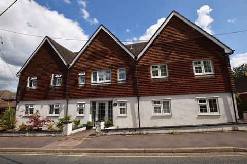 1 bedroom flat to rent - Wilsom Road, Alton