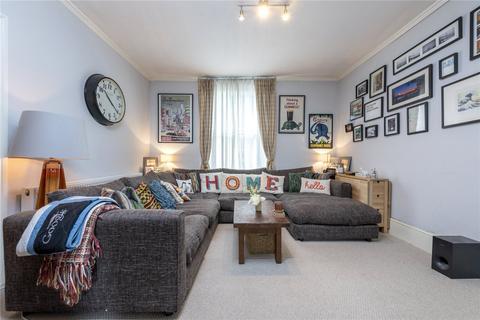2 bedroom flat for sale - Wandsworth Road, London, SW8