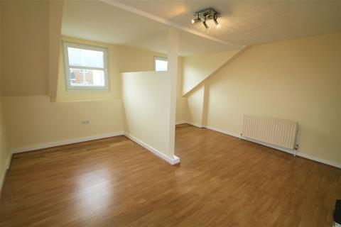 Studio to rent - London Road, Tunbridge Wells