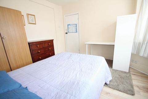 1 bedroom house share to rent - Whitehall Road, Uxbridge, UB8