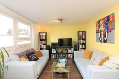 3 bedroom apartment to rent - Lipton Road, Limehouse, E1