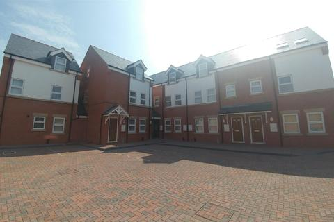 1 bedroom flat to rent - 7 Highgate Court , Bridge Street, Wrexham, LL13 7HT