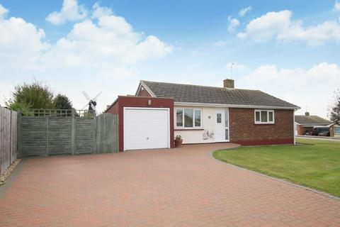 2 bedroom detached bungalow for sale - Windmill Road, Herne Bay