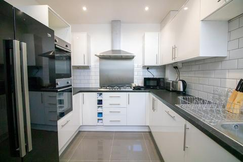 4 bedroom house share to rent - Rainham Road, Gillingham, ME7