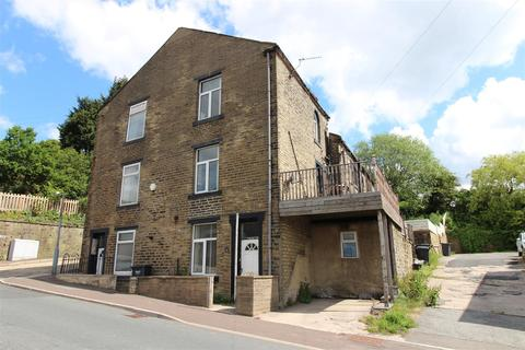2 bedroom terraced house to rent - Boothtown Road, Halifax
