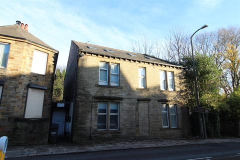 2 bedroom flat to rent - 4 Boothtown Road, Halifax