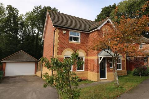 4 bedroom detached house for sale - Withy Close, Tilehurst, Reading