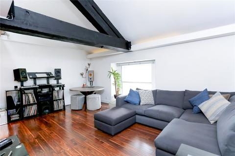 2 bedroom character property to rent - The Highway, London, E1W